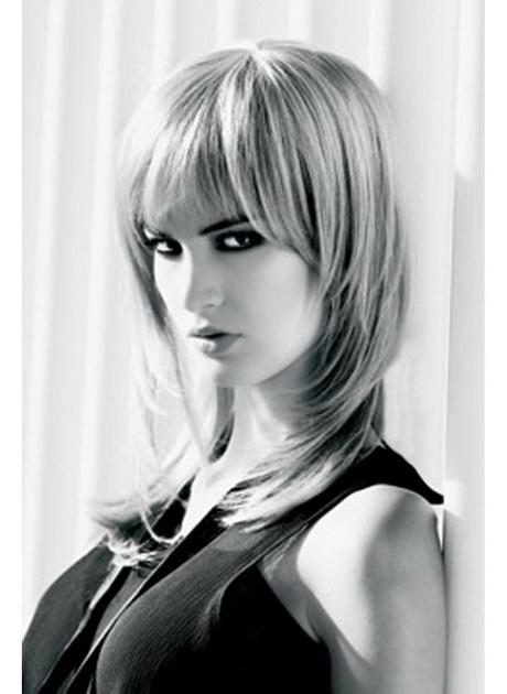 Coiffure moderne cheveux mi long - Coiffure frange longue ...