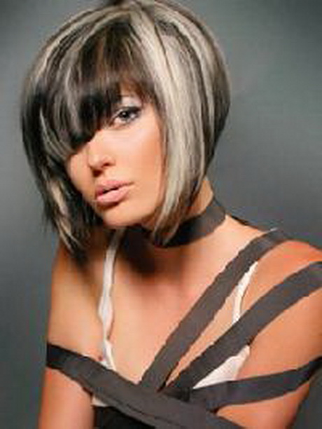 Photo précédente : coiffure avec un carré plongeant long