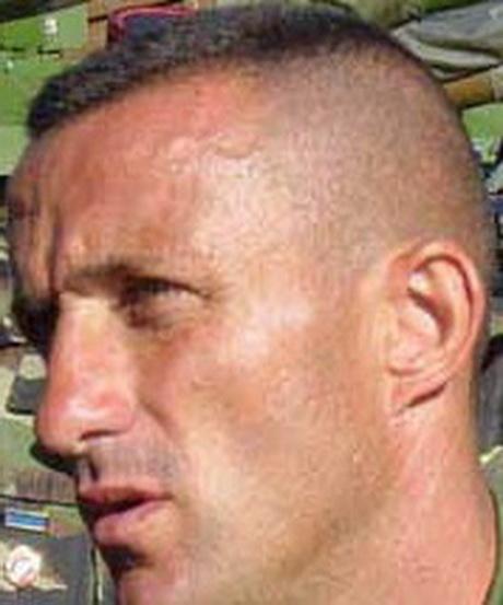 Coupe de cheveux militaire homme for Belle coupe de cheveux homme calvitie