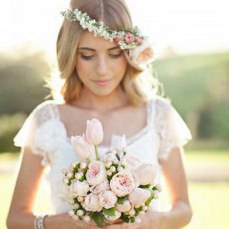 Coiffure mariage couronne fleurs - Couronne de fleur mariage ...