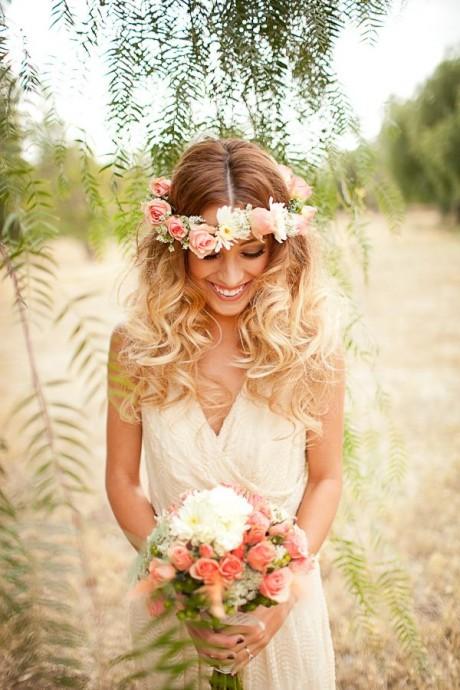 Coiffure mariage couronne de fleurs - Coiffure couronne de fleurs ...