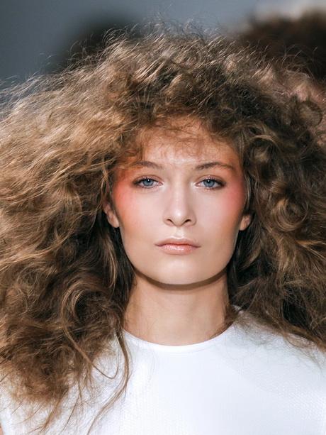 Coiffure Pour Cheveux Frisu00e9e
