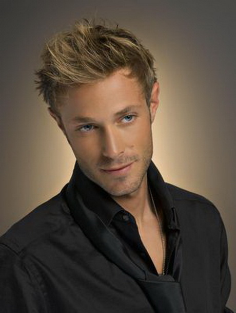 Coupe cheveux homme blond
